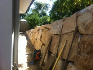 Retain terrain Sandstone boulder wall